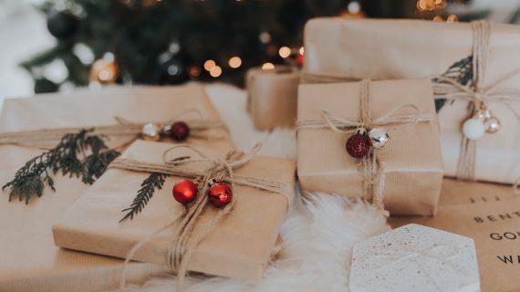 Cadouri de Sărbători cu stres sau cu magie?